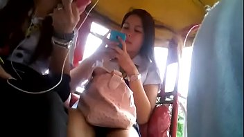 bago pinoy naliligoshower jakol boso Teen pussy penetrated for the first time